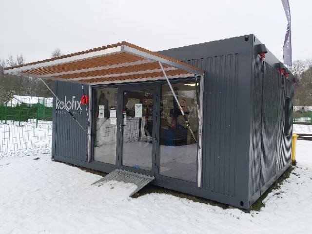 facilities for bicycle repair staff