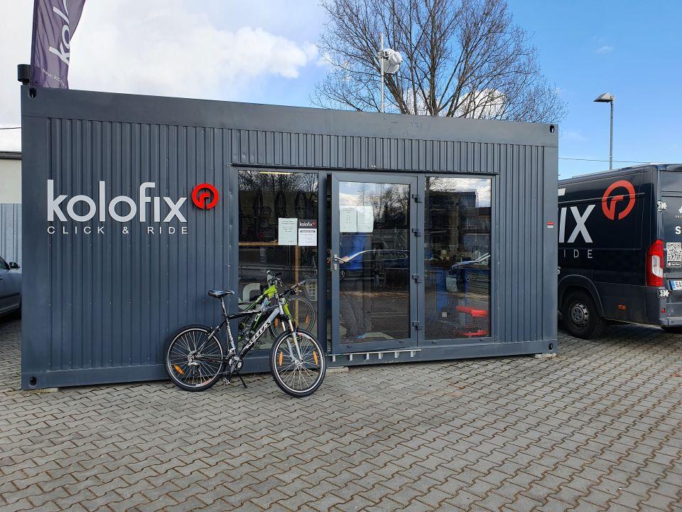 modular buildings - bicycle repair shop