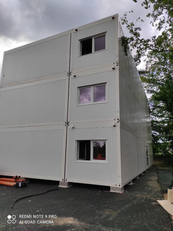 Modulgebäude, Baustellen-Service beim Krankenhausbau